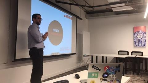 Speaker en Despegar.com. UX / CX y diseño de servicios.
